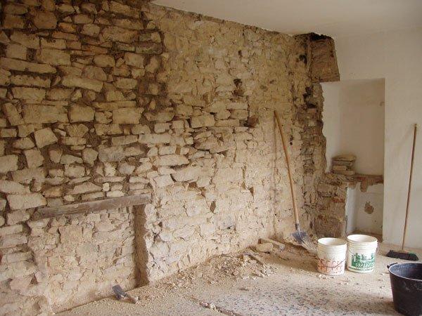 Lavori in corso in cucina villa villacolle - Cucina in mattoni faccia vista ...