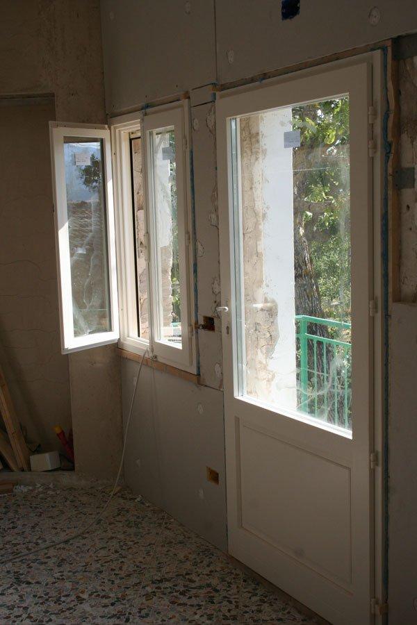Le finestre della cucina villa villacolle - Finestre apertura alla francese ...