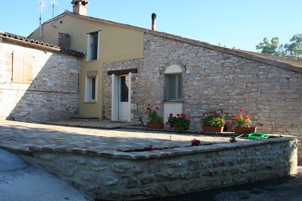 Casa dolce casa villa villacolle for Facciate di case in mattoni e pietra