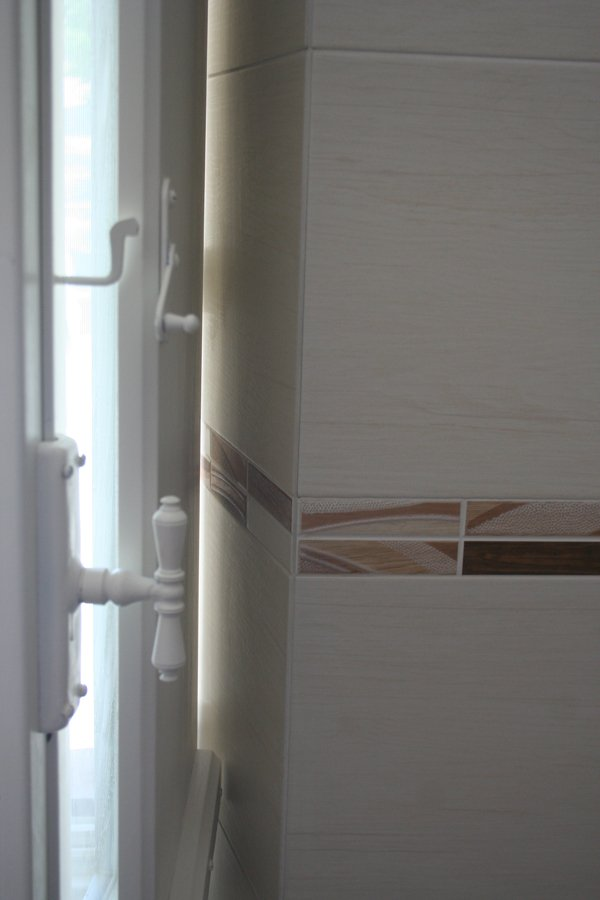 Il bagno nuovo villa villacolle - Serranda porta finestra ...